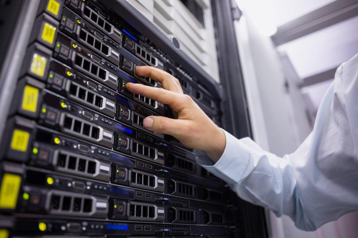 Server SAN Festplatten Techniker